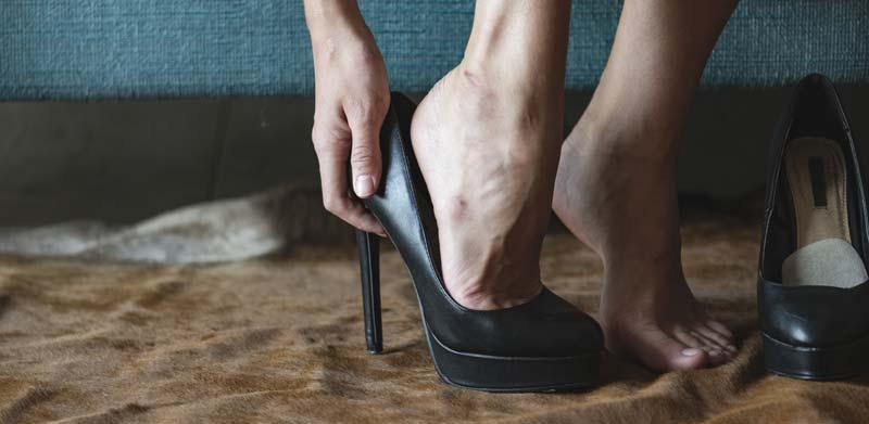 sfaturi cand porti pantofi cu toc inalt